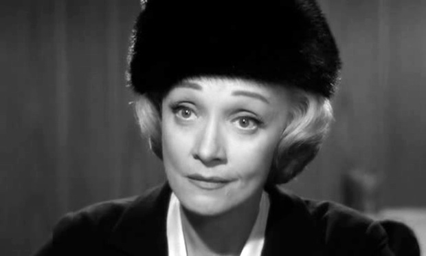 Марлен Дитрих в роли жены нациста